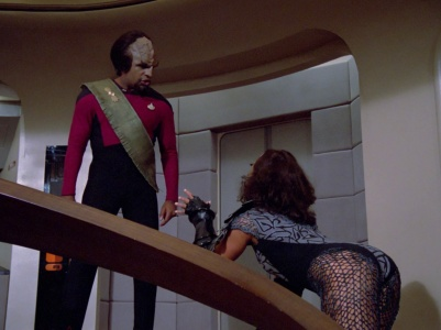 tng hide and q 3