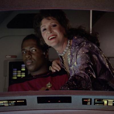 tng manhunt lwaxana 2